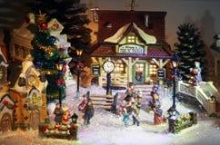 微型圣诞节村庄背景 免版税库存图片