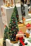 微型圣诞节TREET待售 免版税库存图片