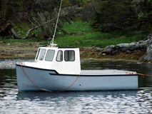 微型小船的捕鱼 库存照片
