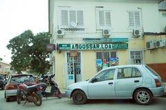 微型市场前面标志-罗安达,安哥拉 图库摄影