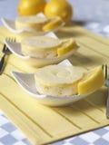 微型柠檬蛋糕 免版税库存图片
