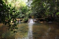 微型河瀑布 库存照片