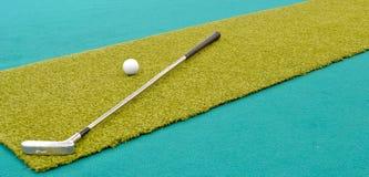 微型的高尔夫球 免版税库存照片