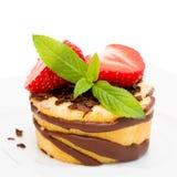 微型草莓蛋糕 库存照片
