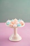 微型蛋白甜饼 免版税库存图片