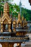 微型金黄寺庙关闭在亚洲 库存图片