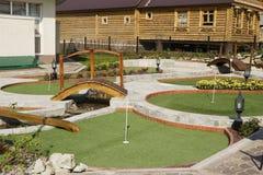 微型高尔夫球的操场 免版税图库摄影