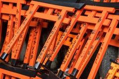 微型鸟居门,Fushimi,稻荷神社,京都 免版税库存照片