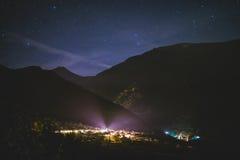 微小的村庄在晚上 库存照片