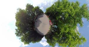 微小的行星timelapse在公园 股票视频
