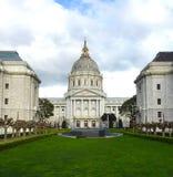 微明的旧金山政府大厦 免版税库存图片