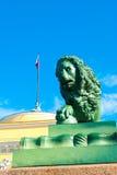 微暗的狮子 免版税图库摄影