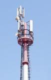 微波和蜂窝电话塔 库存照片