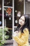 微笑中国人女孩 图库摄影