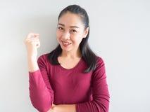 微笑和信心妇女 免版税图库摄影