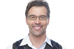 微笑对照相机的一个成熟人的画象 免版税库存图片