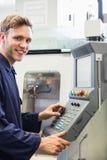 微笑对照相机的工程学学生 免版税库存照片