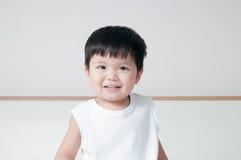微笑小孩男孩画象 图库摄影