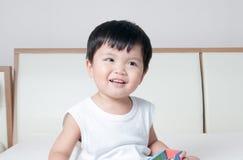 微笑小孩男孩画象 库存图片
