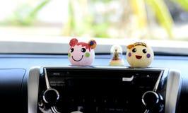 微笑玩偶汽车  图库摄影
