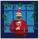 微笑的人在圣诞老人红色帽子藏品在手中仔细考虑了酒 圣诞节概念 库存例证