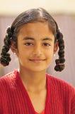 微笑的印第安女孩 免版税库存照片