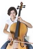 年轻微笑的大提琴球员 免版税库存图片