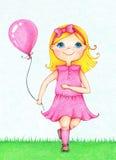 年轻微笑的女孩的手拉的图片运行与气球的桃红色礼服的在夏天 库存图片
