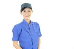 微笑的女工 免版税库存照片
