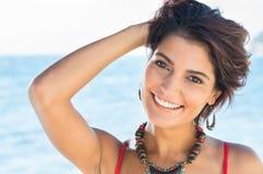 微笑的妇女夏令时 免版税库存图片