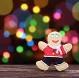 微笑的姜饼人 库存照片
