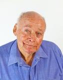 微笑的愉快的年长的人纵向 库存照片
