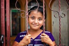 微笑的玛雅孩子,圣佩德罗火山,湖Atitlan,危地马拉 库存照片