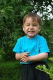 微笑的男孩。 愉快的童年 库存照片