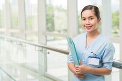 微笑的越南人护士 库存照片