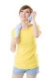 微笑的运动的妇女 图库摄影