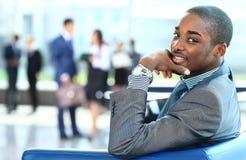 微笑的非裔美国人的商人画象  免版税库存照片