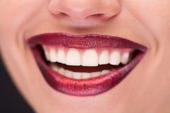 微笑的嘴唇特写镜头  免版税库存照片
