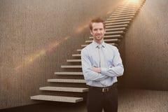 微笑的经理的综合图象有胳膊的横渡了3d 免版税库存照片