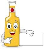 微笑的玻璃啤酒瓶字符 免版税图库摄影