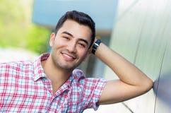 微笑年轻人的画象 免版税库存照片