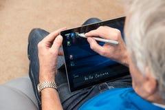微软表面赞成4与铁笔和键盘 库存图片