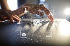 微集成电路, CPU,处理器,微型电路计算的工程学 现代化和企业自动化 互联网 免版税库存照片