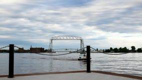 德卢斯,明尼苏达- 2018年7月2日:历史的空中升降吊桥和moter蟒蛇 影视素材