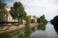 德国博物馆在河的慕尼黑,在夏天 免版税库存图片
