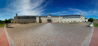 德国卡尔斯鲁厄宫殿 库存图片
