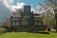 德国城堡废墟的被恢复的大厦 库存图片