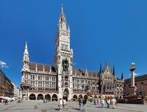 德国大厅慕尼黑新的城镇 免版税图库摄影
