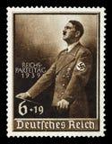 德国德国政府 大约1939年- c 1944年:与刻画的邮票阿道夫・希特勒 免版税图库摄影