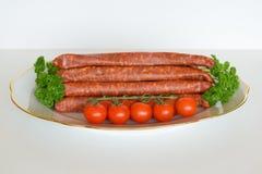 德国德国蒜肠,未加工的多味腊肠,香肠,德国蒜肠,食物 免版税库存图片